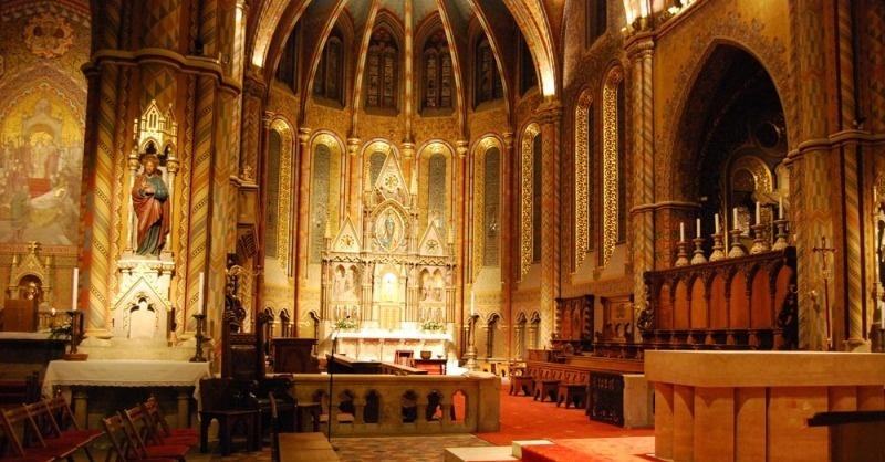 A Mátyás templom  belső világítása