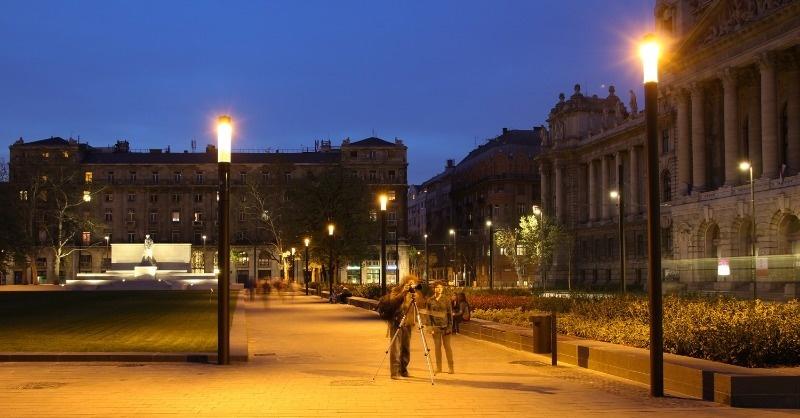 A Kossuth tér  új közvilágítása