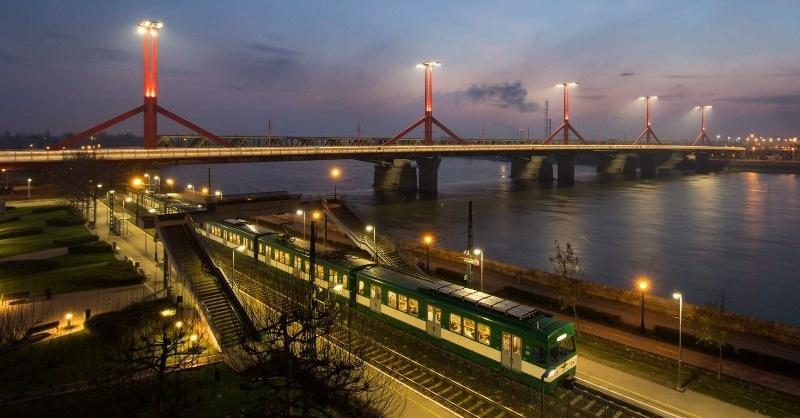 Új közvilágítást kapott a Rákóczi-híd