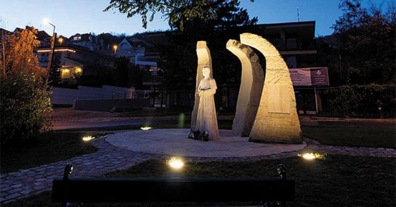 Budapesti  szoborvilágítások