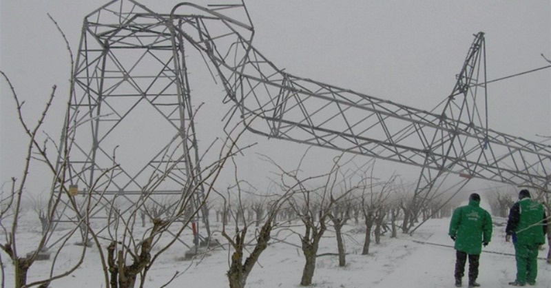 A rendkívüli időjárás hatása az átviteli és elosztó hálózatokon
