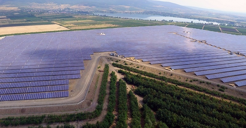 16 MW-os fotovillamos erőmű a Mátrában