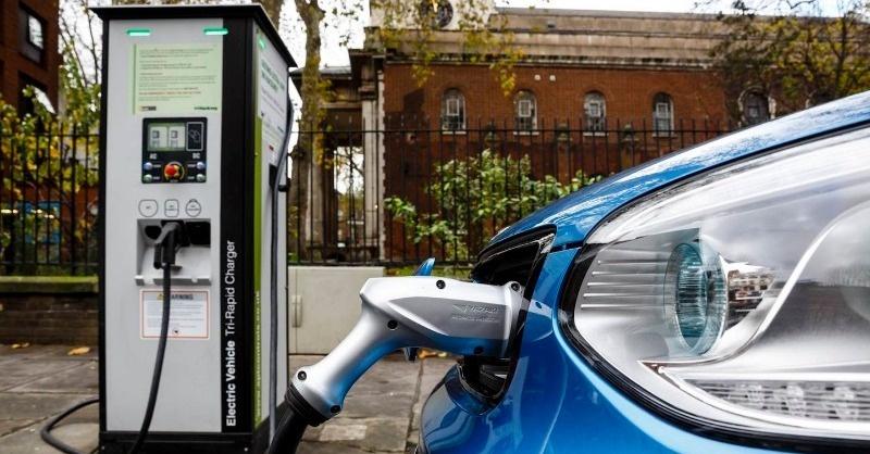 7-8 éven belül az összes új autó elektromos lesz