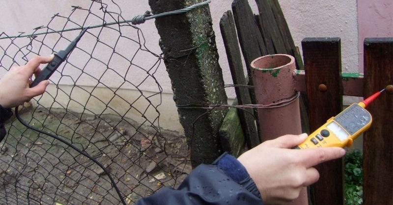 Felfüggesztett börtönre ítélték a kerítésébe áramot vezető férfit