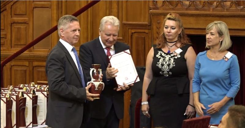 Hűség díj a Legrand Zrt.-nek