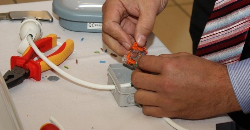 Biztonságos villanyszerelés - energiahatékony megoldások