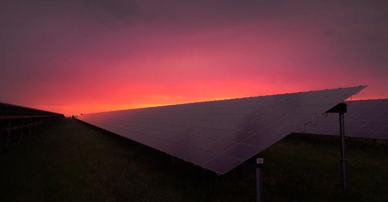 Száz magyarországi naperőmű-beruházás lett kiemelt projekt