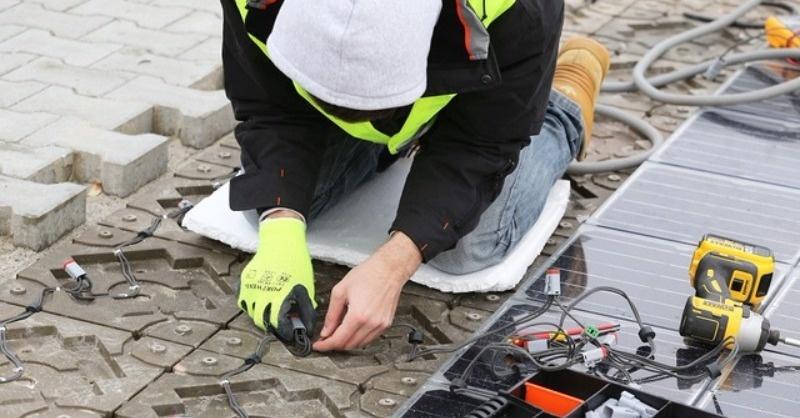 Napelemes térburkolatrendszer – Magyarországon használják először