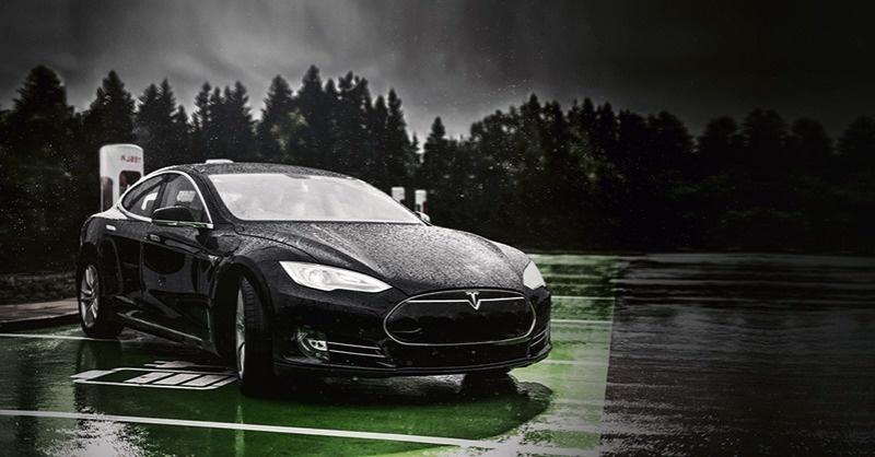 Tölthető-e az elektromos autó esős időben?