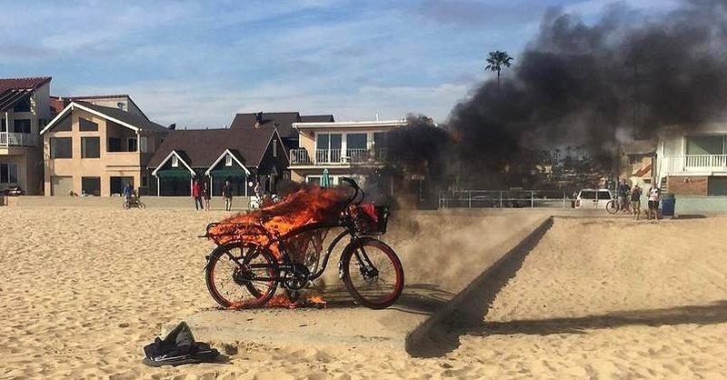 Felrobbant az elektromos bicikli akksija