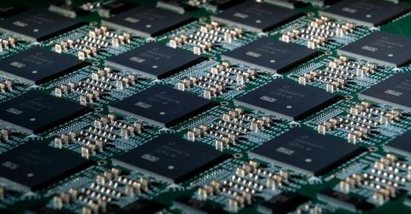 Az Intel visszaveszi a vezetést az integrált áramkörök világpiacán