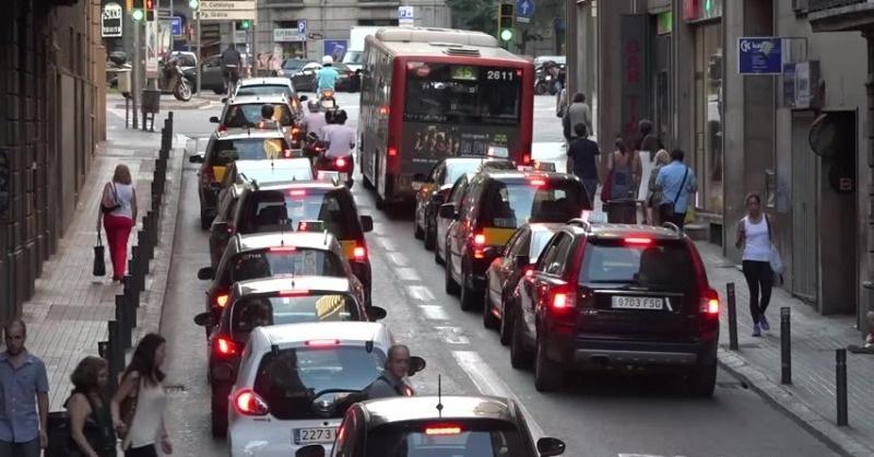 Kitiltották a szennyező autókat Barcelonából