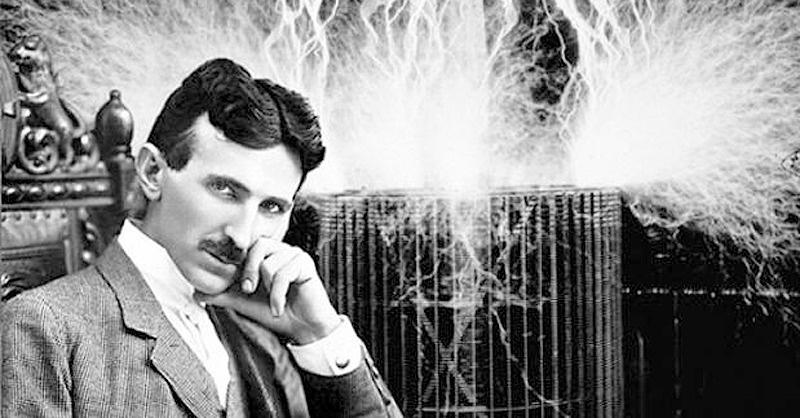 Tesla miatt tiltakoznak a szerbek az EU-nál