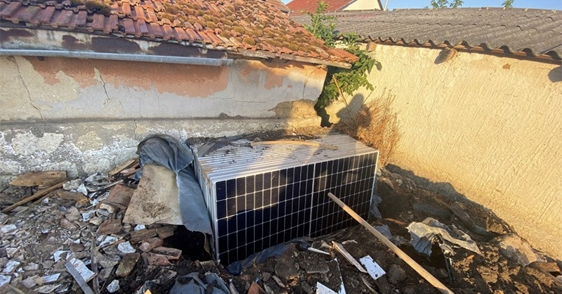 Elásták a lopott a napelemeket