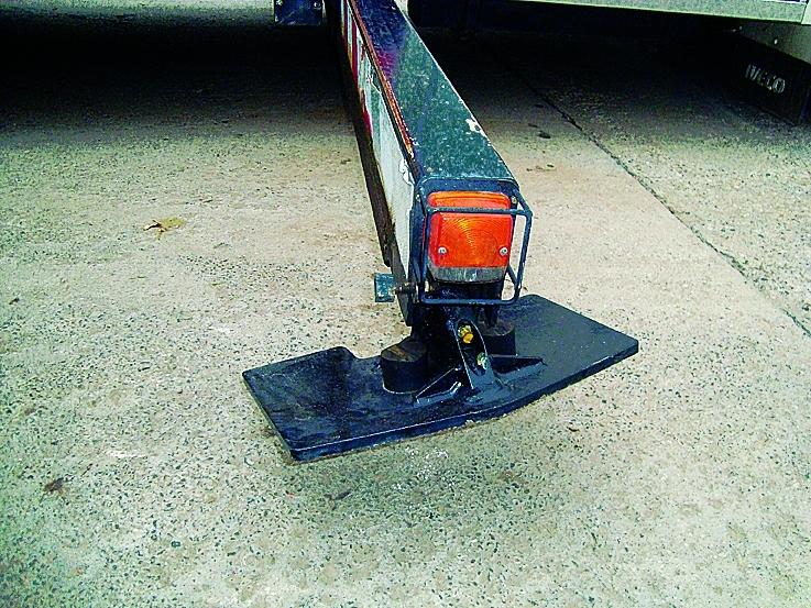 2. kép: A tűzoltóautó támasztólába