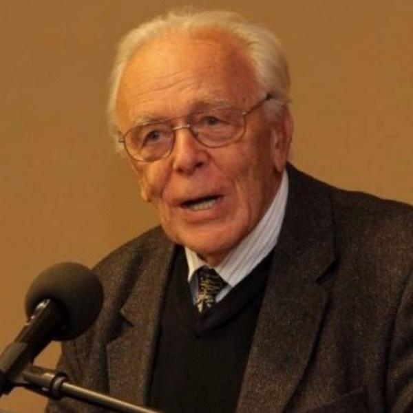 Dr. Schanda János †
