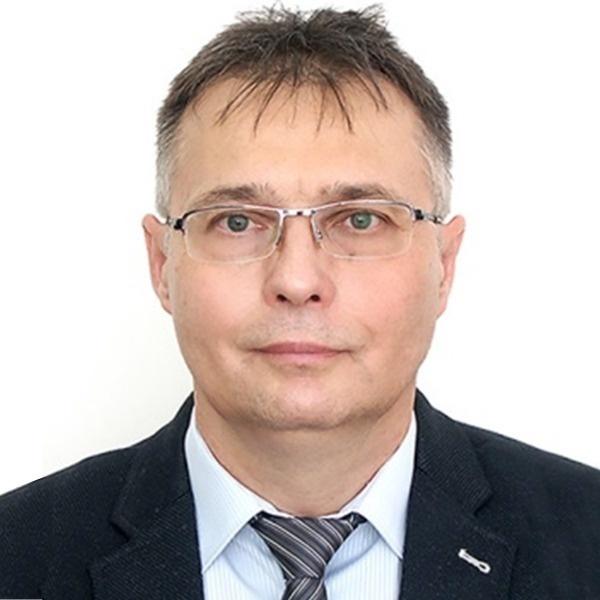 Benyák László